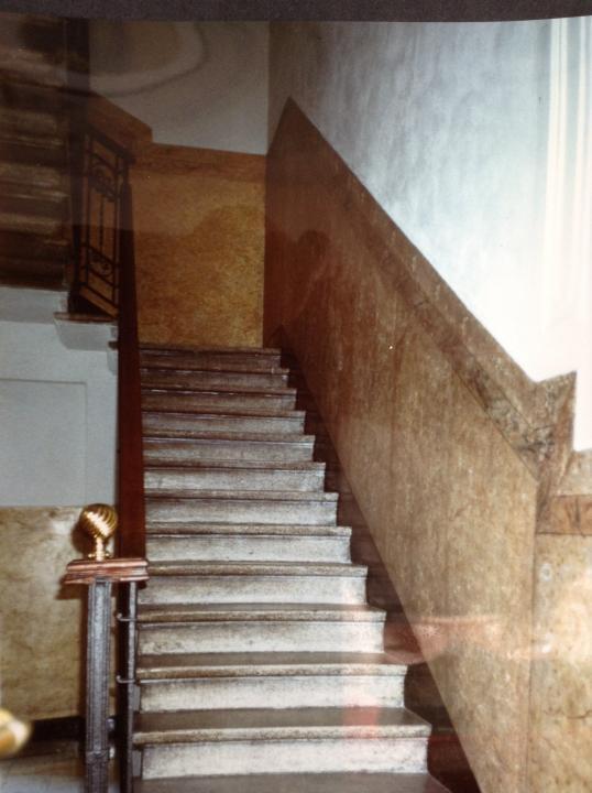 Restauro finto marmo scale